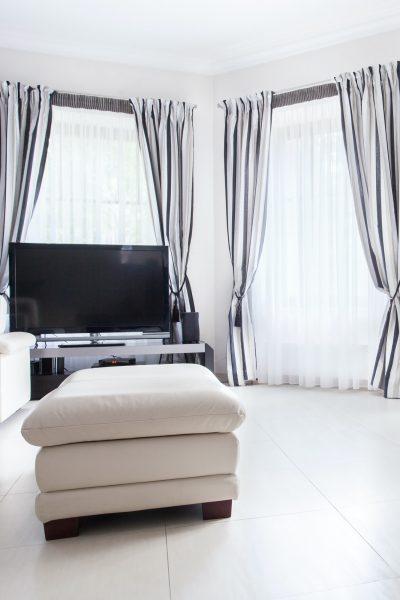 drawing-room-in-luxury-residence.jpg